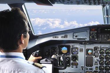 Власти КНР просят соблюдать правило 2 членов экипажа в кабине пилота