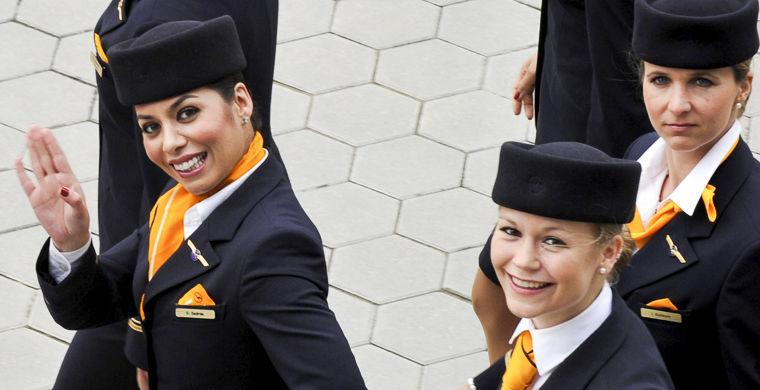 ТОП-10 авиакомпаний мира с самыми красивыми стюардессами (ФОТО)