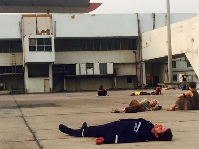 Глава МЧС Украины Шкиряк поспал на взлетной полосе аэропорта Дели