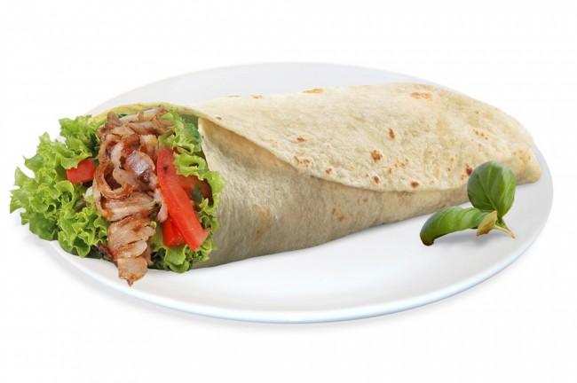 Наибольшей популярностью в Турции пользуется такое известное блюдо, как «донер кебаб» — настоящая кулинарная визитная карточка этой страны.