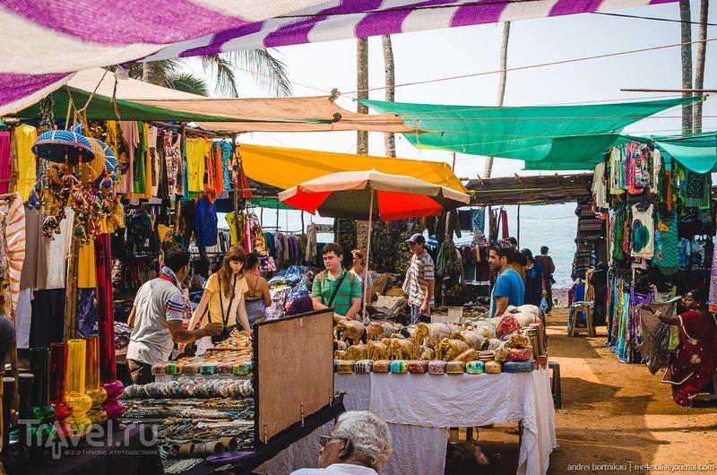 Рынок в Анжуне и болтливые местные / Индия