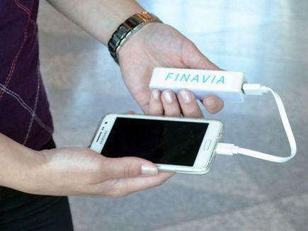 В аэропорту Хельсинки появились переносные зарядники для телефонов