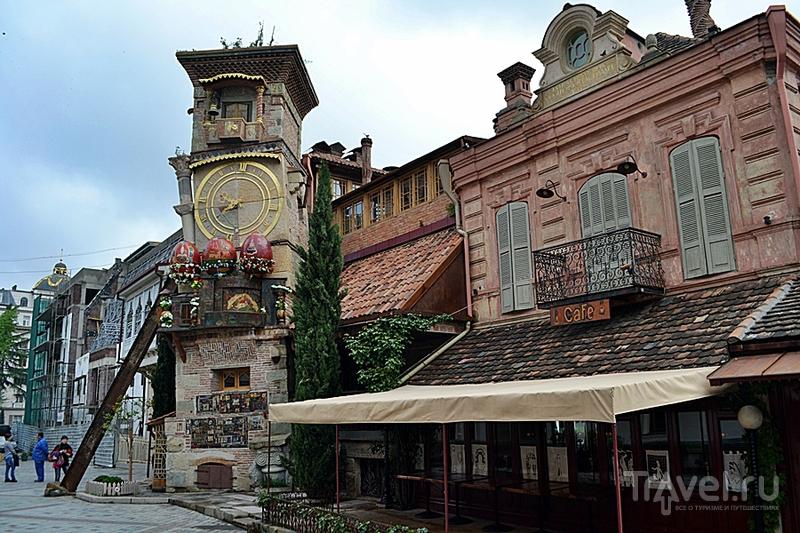 В поисках сванской соли вдоль особняков в французком стиле, древних церквей и пугающих трущоб Тбилиси